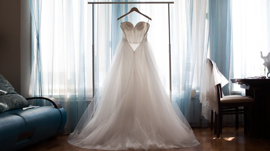 wedding dress traditions