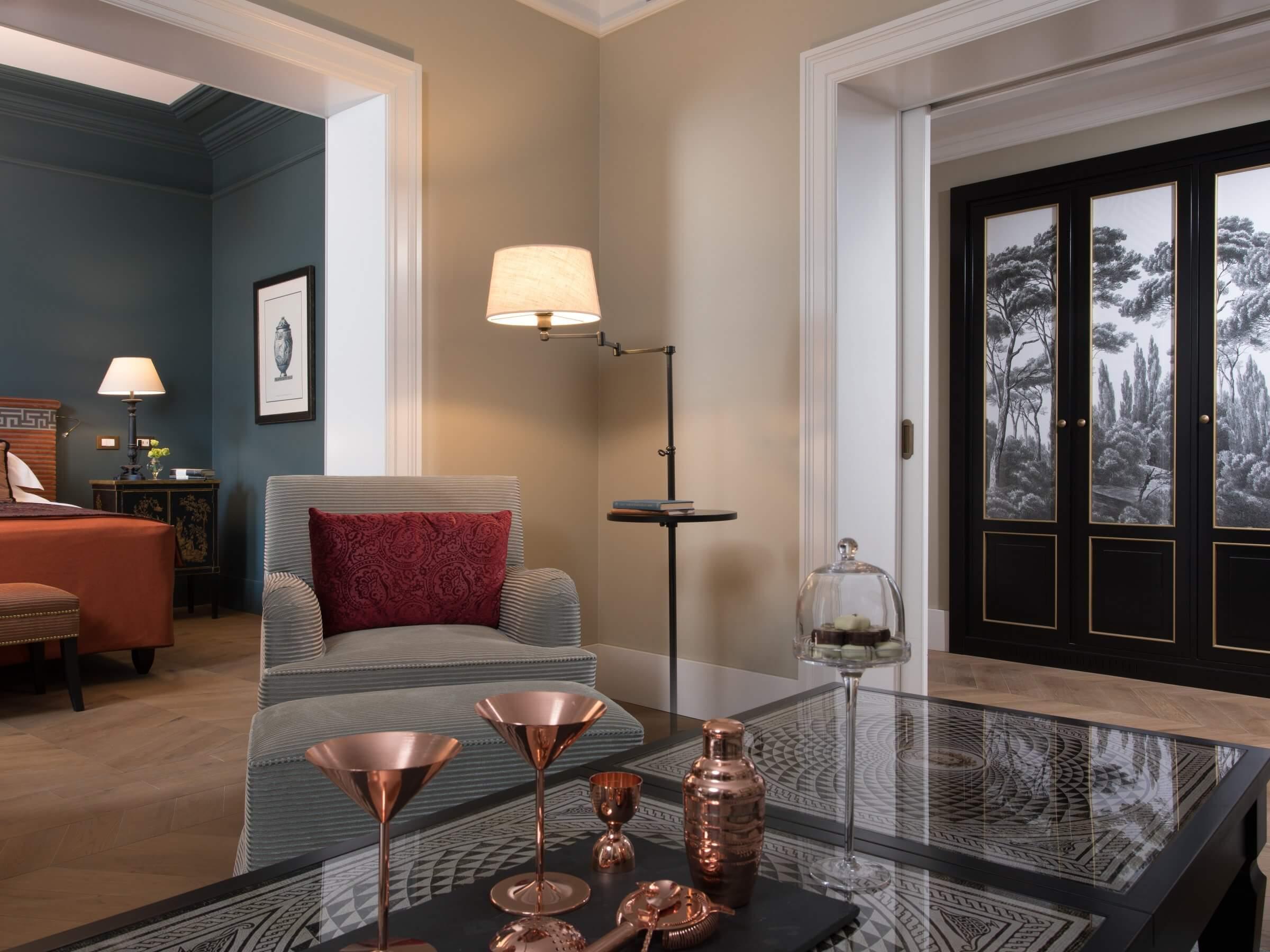 Hotel De La Ville - Suite overview