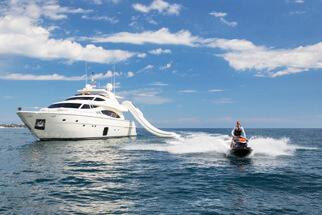 Ferretti881brochure-yacht-sardegnaluxury_-44