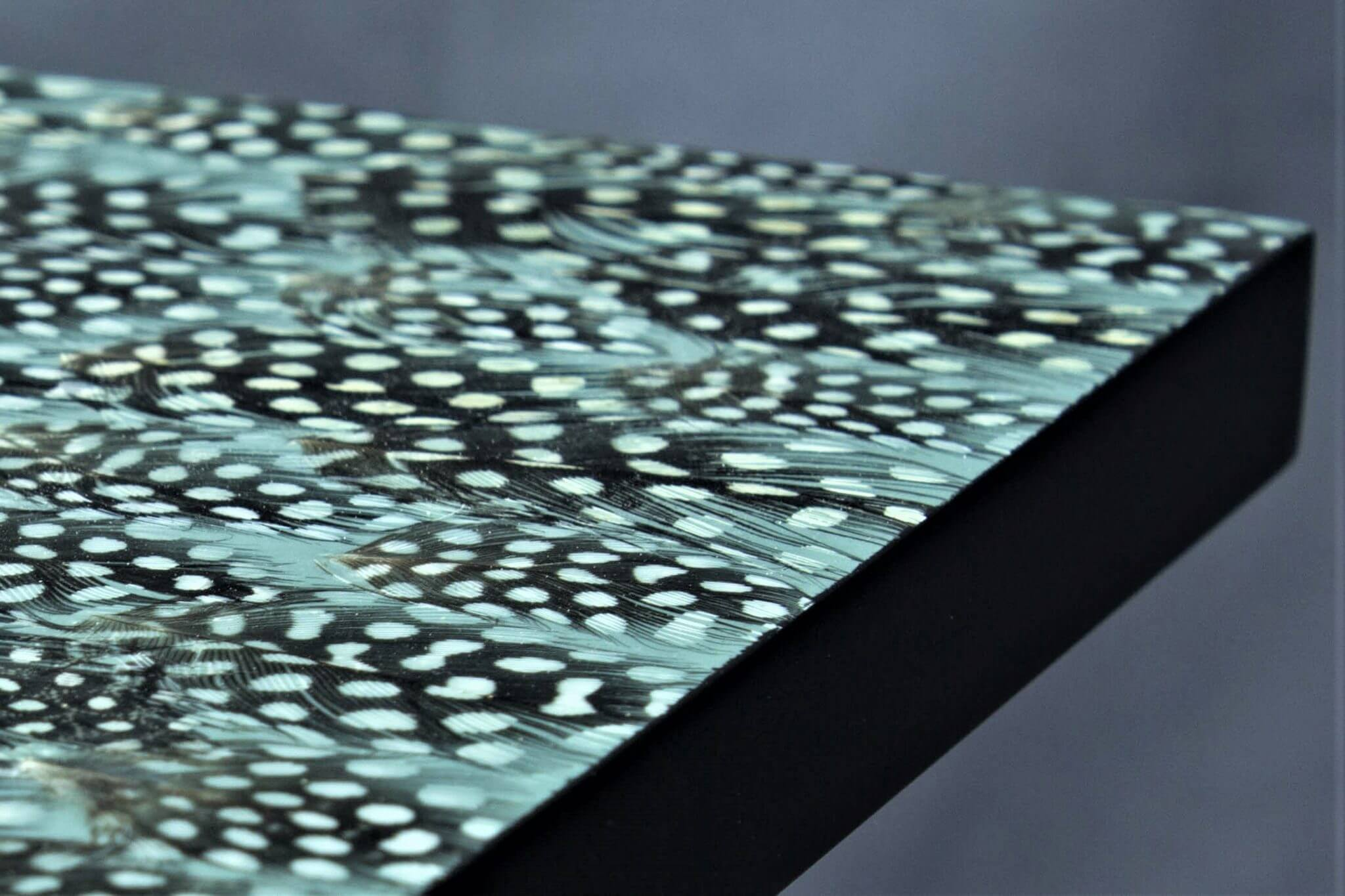Nature Squared feather table