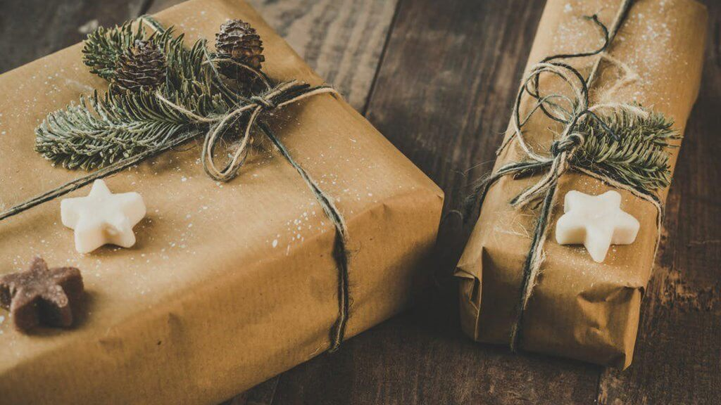 sustainable gift wrap